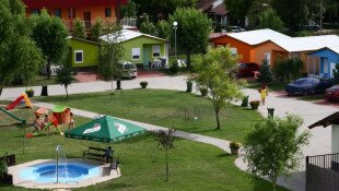 Family Resort** Nyaralóházak