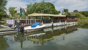 Sightseeing tour by boat from Komárno