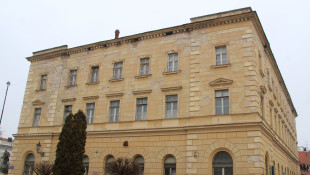 The rental building of the First Savings-bank of Komárno